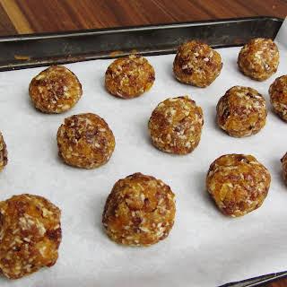 Coconut, Apricot and Sultana Snack Balls.