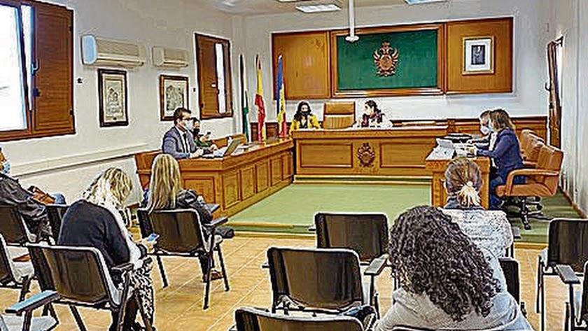 El pleno se hizo con el fin de aprobar las actuaciones preparatorias.