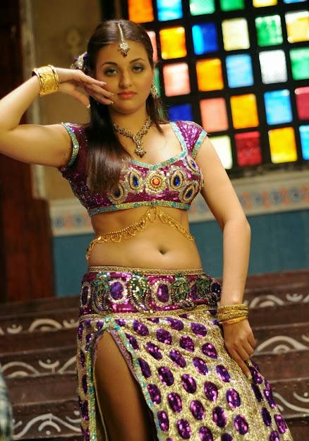 Sana Oberoi hot dance, Sana Oberoi thunder