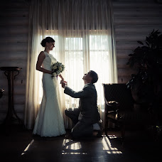 Wedding photographer Konstantin Antonov (fotoburg). Photo of 09.08.2016
