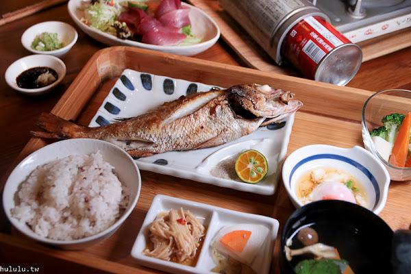 宜蘭美食「里海Cafe」礁溪必訪~!看海!泡湯!飽嚐海裏鮮魚滋味。