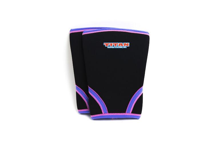 TITAN knee support 7mm  (IPF approved). Svarta med lila-rosa bård