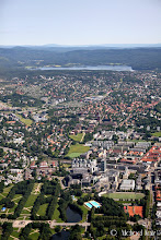 Photo: But first a short farewell flyby over Oslo.