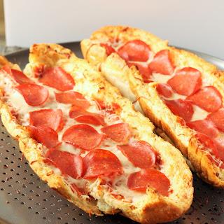 Easy French Bread Pizza #SundaySupper Recipe
