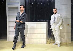 """Photo: WIEN/ BURGTHEATER/ Vestibül: """" Am Beispiel der Butter"""" von Ferdinand Schmalz. Inszenierung: Alexander Wiegold. Marcus Kiepert, Michael Masula. Foto: Barbara Zeininger"""