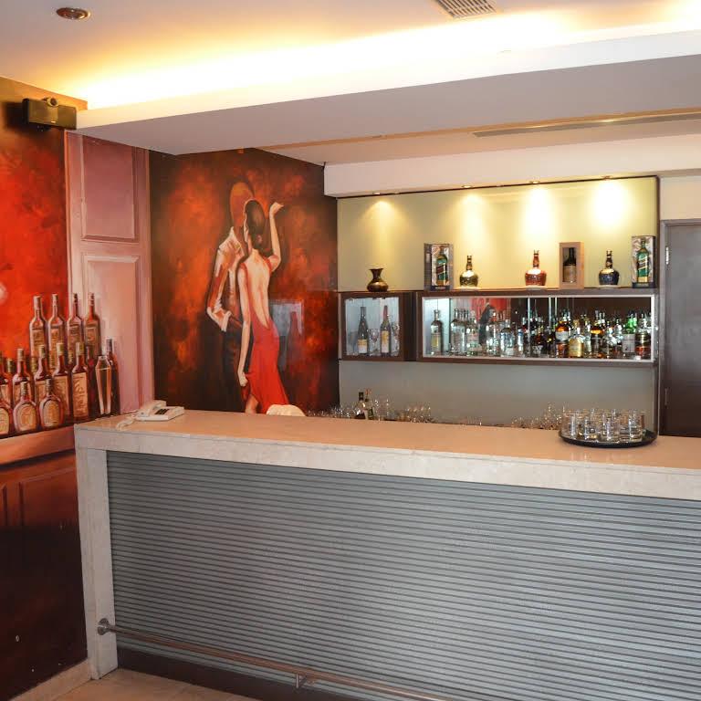 Young Island Comforts Hotel In Bengaluru