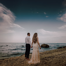 Wedding photographer Miroslava Velikova (studioMirela). Photo of 02.09.2018