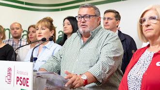Manolo García, portavoz socialista, se manifiesta en nota de prensa sobre el transporte escolar en Roquetas.