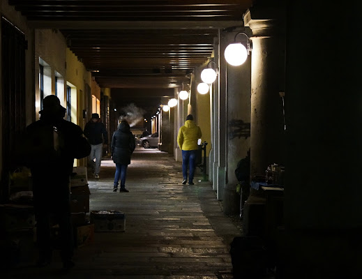 I portici di Castelleone di sera....