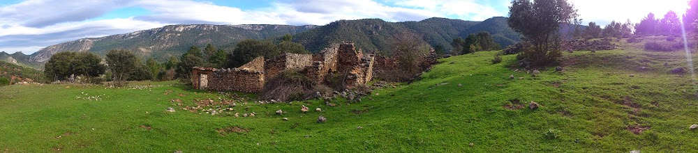 Photo: Ruinas en las proximidades de Mesones