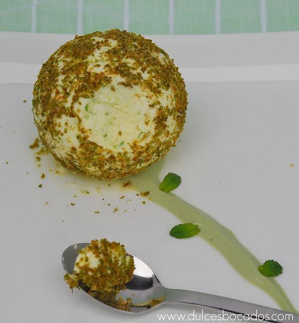 Esfera de mousse de lima