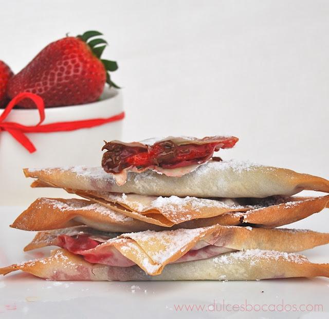 Triángulos de philo con fresas y nutella