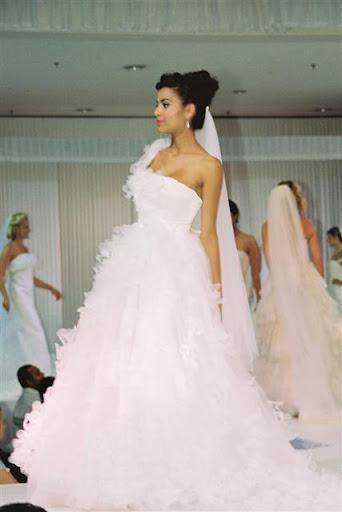 Bridal Gowns 2010 Fashion Show