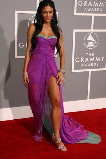 Nicole Scherzinger Attends Grammy Awards with Purple High Slit Gown