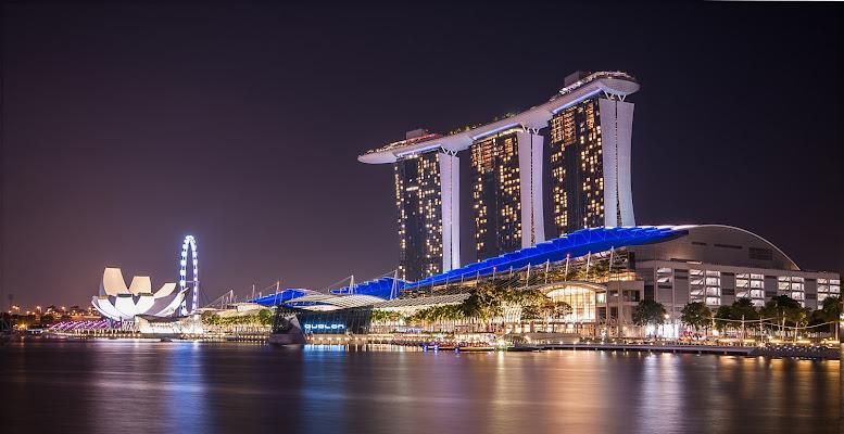 A Singapore non spengono mai la luce, nemmeno di notte di Sarett@