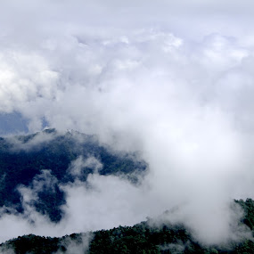 flying clouds by Sonali Majumder - Landscapes Cloud Formations