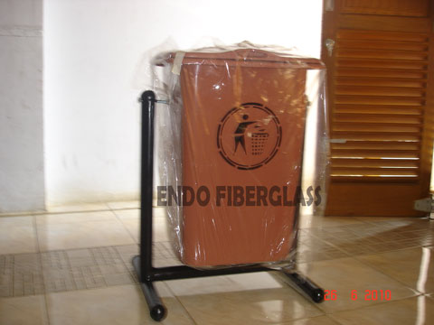 Tempat Sampah Fiberglass single kotak 50L