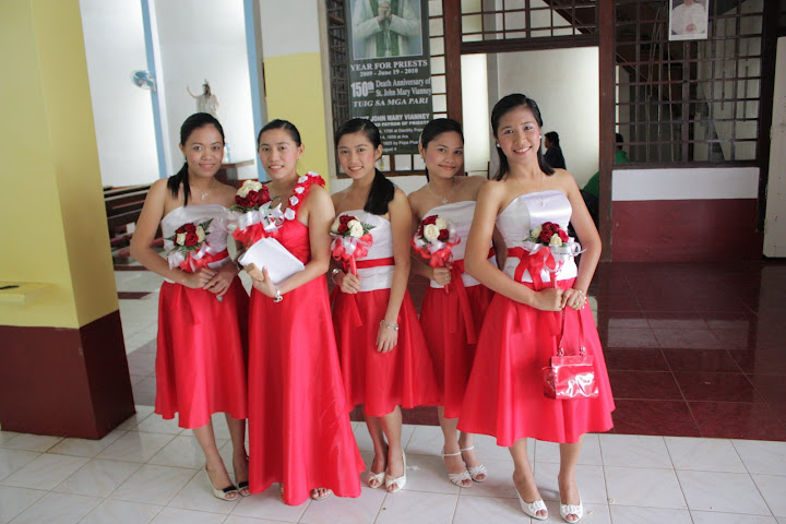 bridesmaid-dresses-for-church-wedding-reception