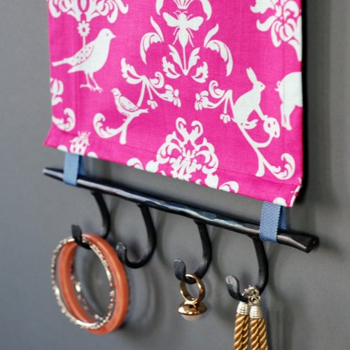 Pink Damask Jewelry Display