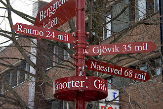 Photo: A sign showing the direction and distance to Rauma, Finland and other Scandinavian friendship towns of Gävle