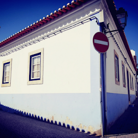 by Thaissa Meira - Buildings & Architecture Homes ( #blue #vilanovademilfontes #vacations #beach #beautifullandscape )