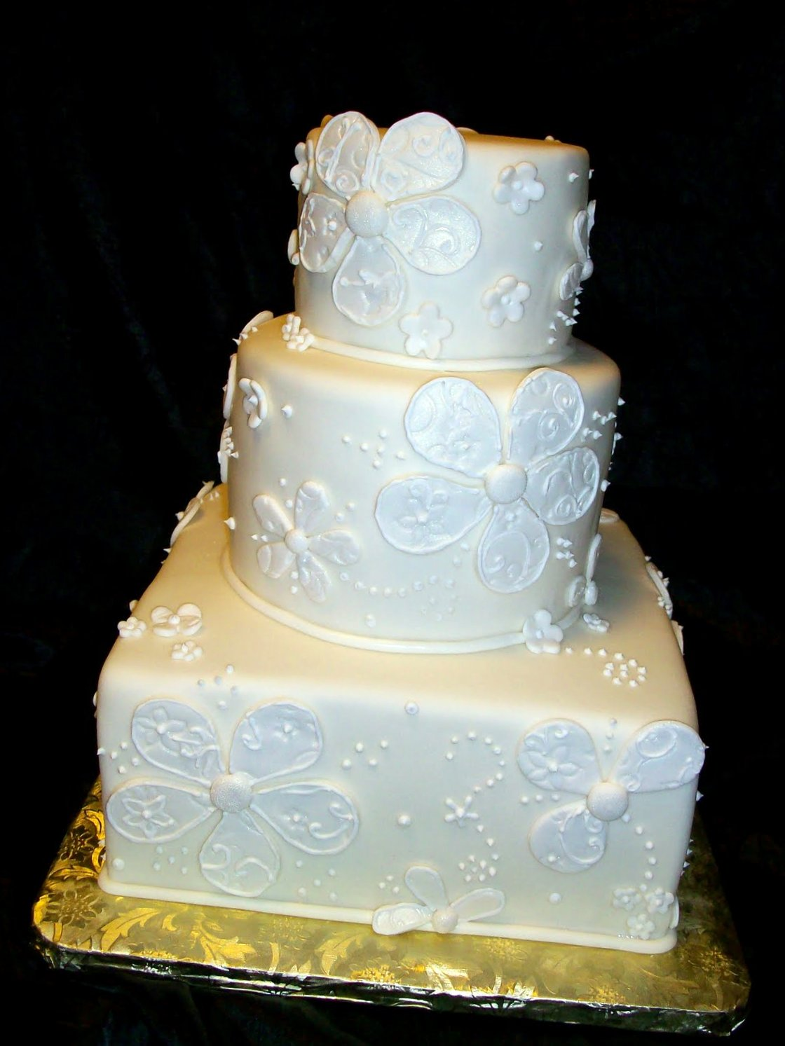 gloria 39 s blog 50th wedding anniversary cake. Black Bedroom Furniture Sets. Home Design Ideas