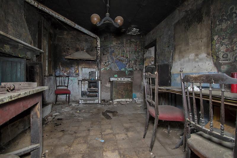 nessuno nella casa delle favole di Fabio6018