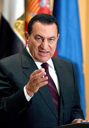 Mantan Presiden Mesir,Husni Mubarak,Terancam di Gantung,Zakaria Shalas,pimpinan pengadilan kairo,Alaa,Gamal,Habib Al-Adly,mantan menteri dalam negeri,mesir,kaki tangan Mubarak