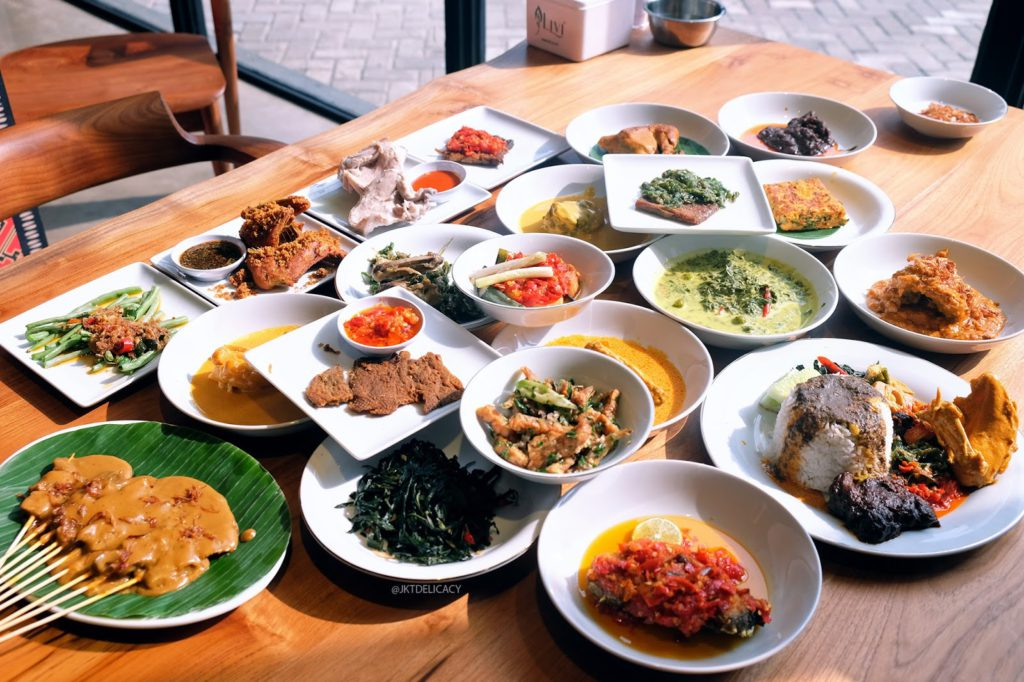 Masakan Padang dari Padang Merdeka