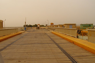 Photo: Mauritanian-Senegalese borders. The bridge belongs to Senegal!!!