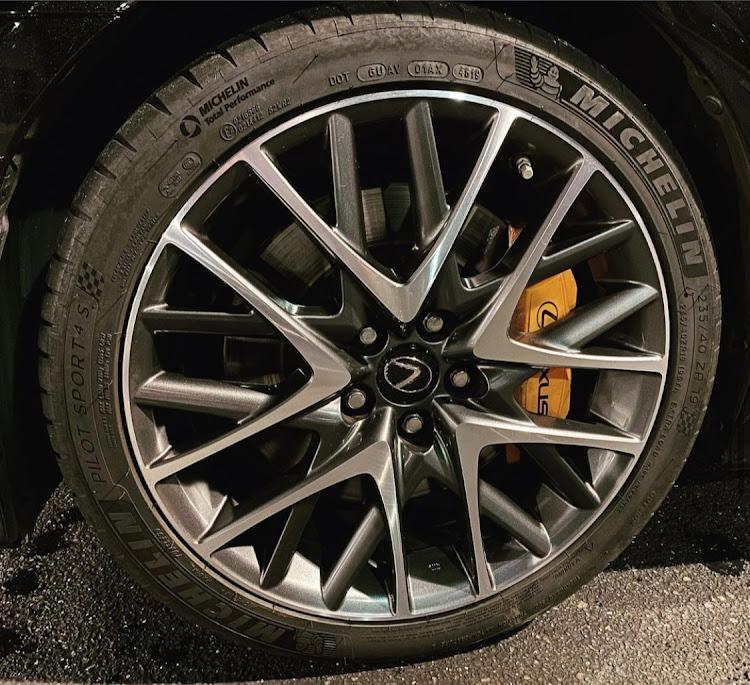 RC ASC10のタイヤ,ホイール,ミシュラン,ミシュランパイロットスポーツ4S,洗車に関するカスタム&メンテナンスの投稿画像1枚目