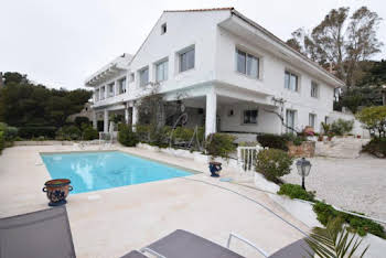 Villa 15 pièces 590 m2