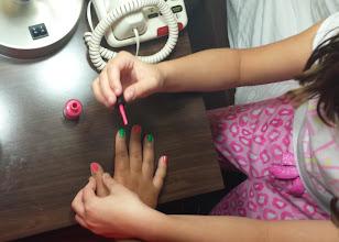 Photo: Sadie paitns Kaleya's nails