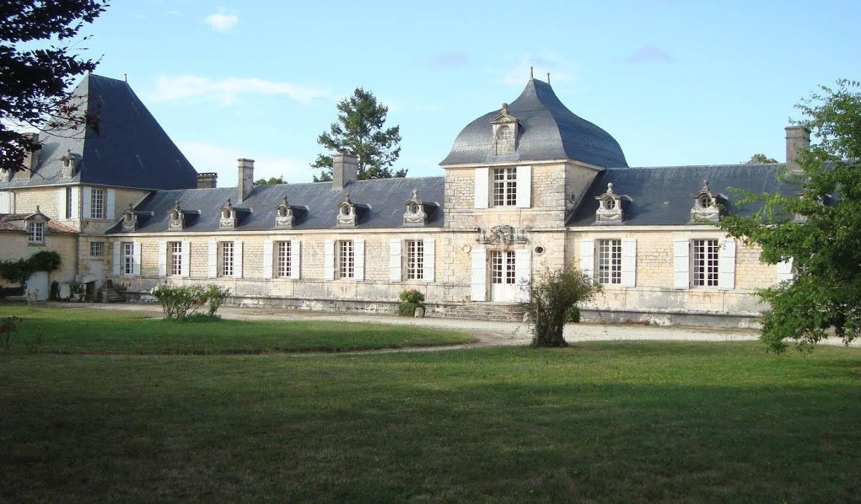 Château Saintes