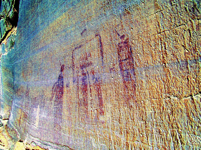Faint petroglyphs and very faint pictographs (DStretch enhanced)