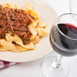 Hilopittes – Noodles With Rustic Meat Sauce