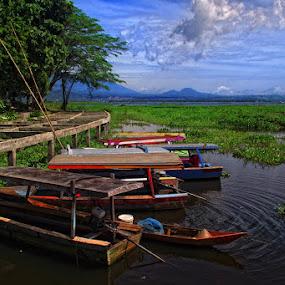 Rawa Pening by Ayah Adit Qunyit - Travel Locations Landmarks ( , water, device, transportation )