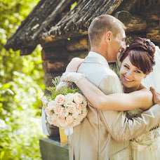 Wedding photographer Varvara Lomancova (VarvaraL). Photo of 03.07.2013