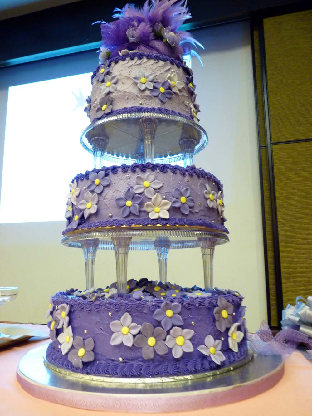 pictures of purple and green wedding cakes sumaiyya s purple flower wedding cake 18419