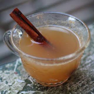 Hot Ginger Apple Cider With Applejack.