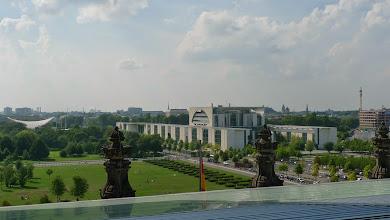 Photo: Blick auf das Bundeskanzleramt