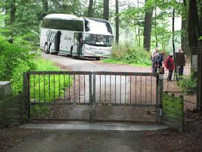 Photo: Mit dem Bus zur Wanderung im Wildschweingehege