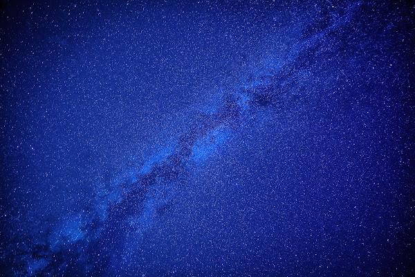 Lying under the sky di Mariano Romani
