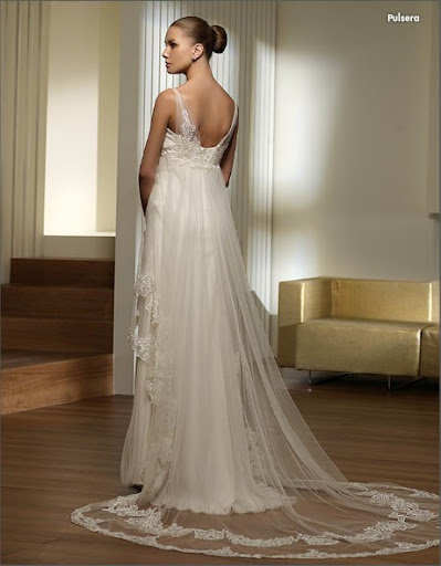 Pullsera Wedding Gown