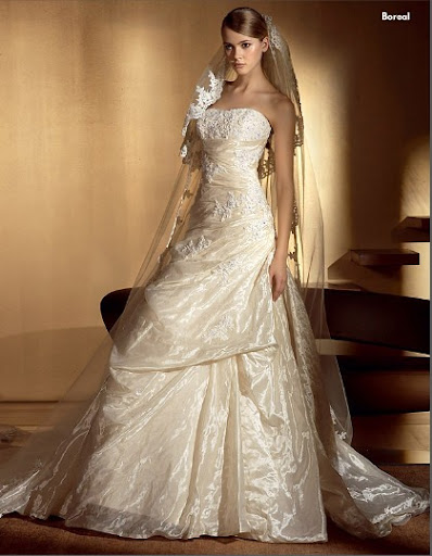 Boreal ; Ivory Wedding Gown