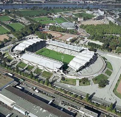 Worlds stadium august 2009 for Piscine stade louis 2