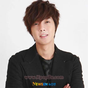 Kim Hyun Joong เป็นนักร้องชายที่แฟน ๆ อยากจะเรียนด้วยในโรงเรียนใหม่