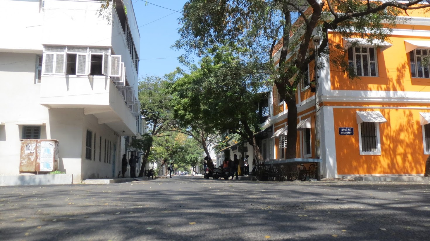 "A typical ""rue"" in Pondi's white town"