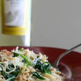 Angel Hair Pasta with Chicken Spinach and White Wine Sauce #SundaySupper.