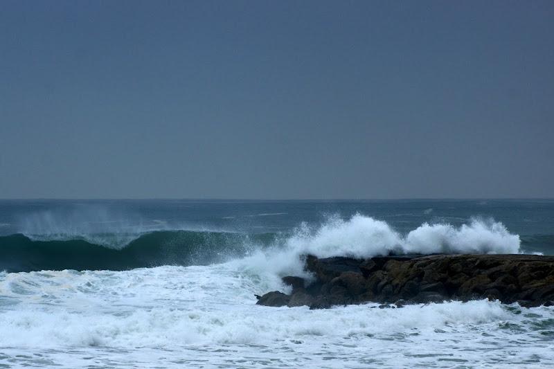 Mar revolto na costa da Caparica